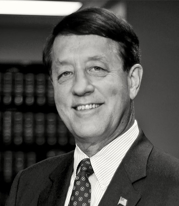 Michael Crites is a litigation lawyer in Dinsmore's Columbus, OH office